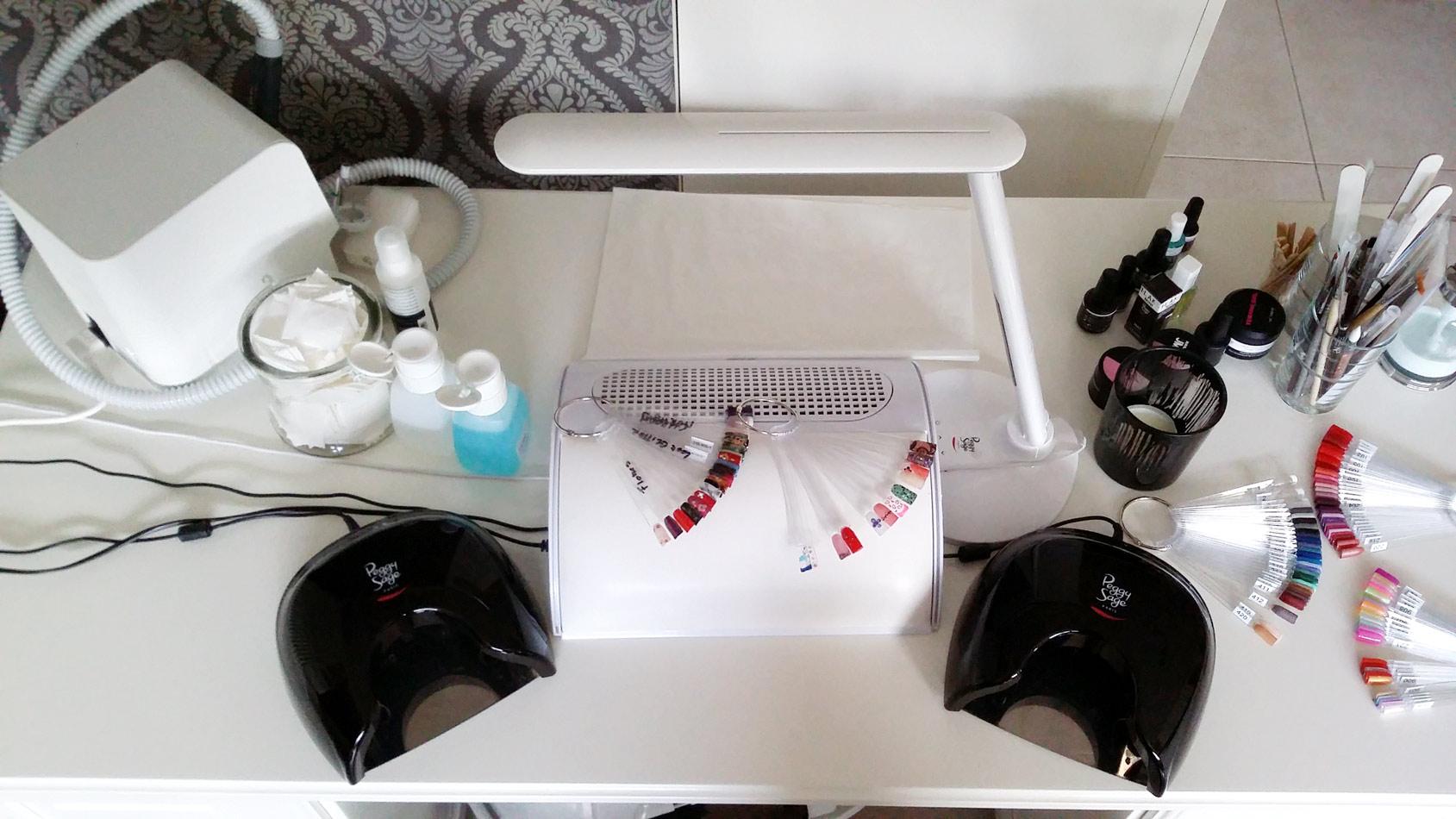 Beauty Nails Anja - Nagelstudio Anja 9750 Zingem Kruishoutem Oost-Vlaanderen nagelstyliste: professionele en verzorgende behandelingen van je nagels. Gelnagels, nailart, verzorgingsproducten en accessoires voor handen en voeten.